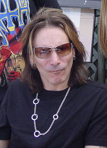 250px-SteveVai_May2007